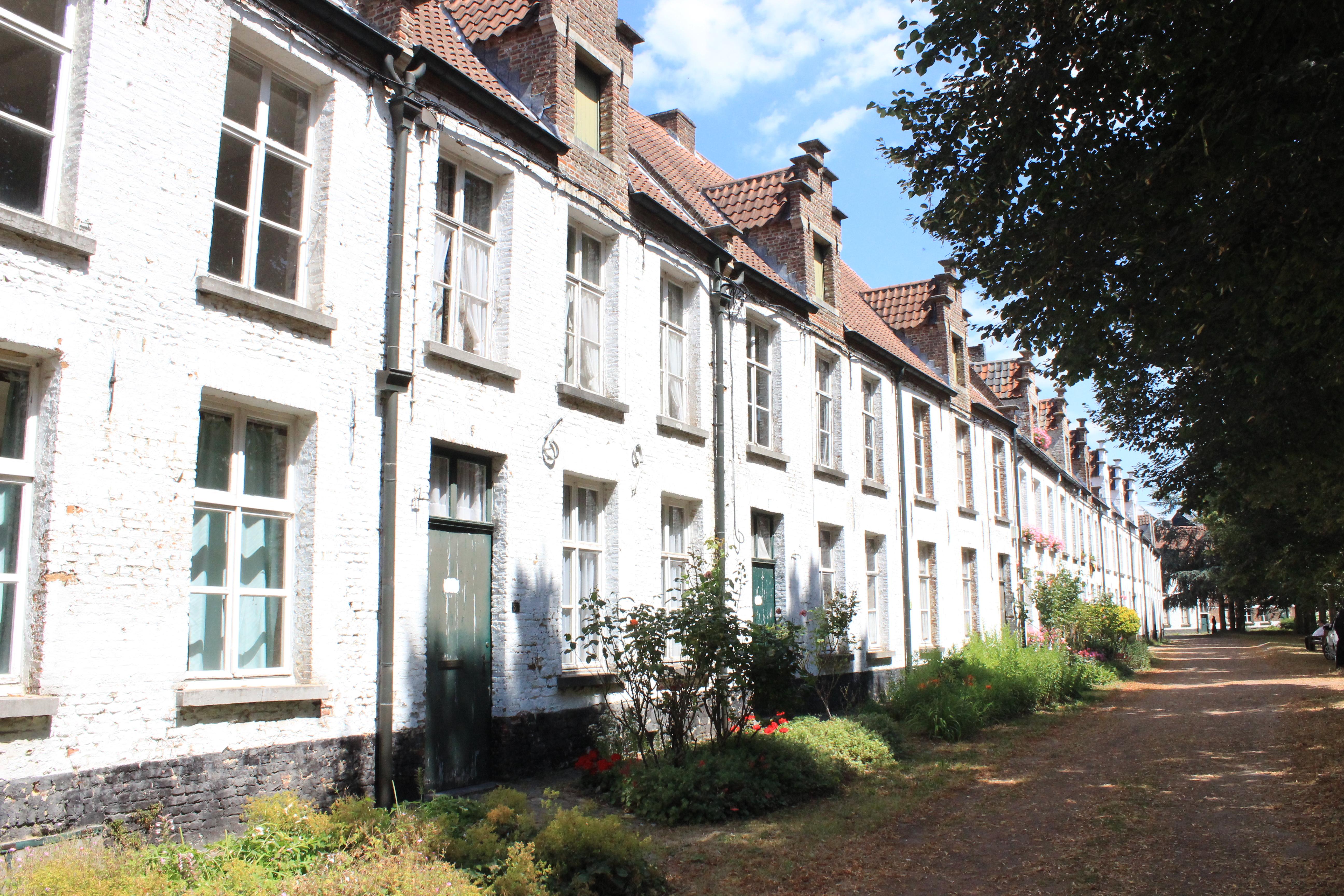 Flämische Beginenhöfe – Orte der Ruhe
