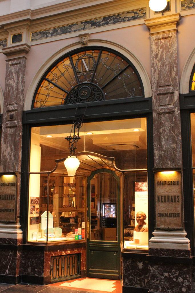 Das Geburtshaus der belgischen Praline, hier began die Geschichte einst in einer Apotheke.