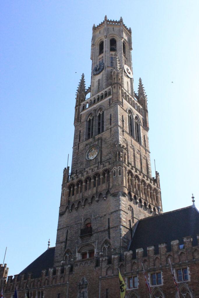 Einer der berühmtesten Belfriede in Belgien ist der der Tuchhallen in Brügge
