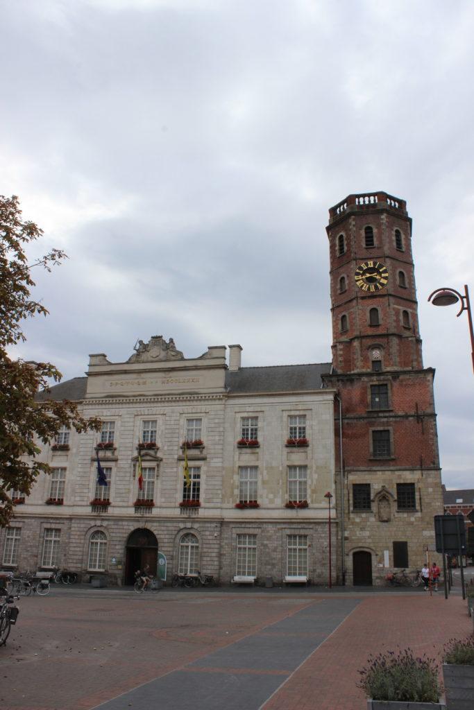 Der alte Turm wurde an das Rathaus angegliedert