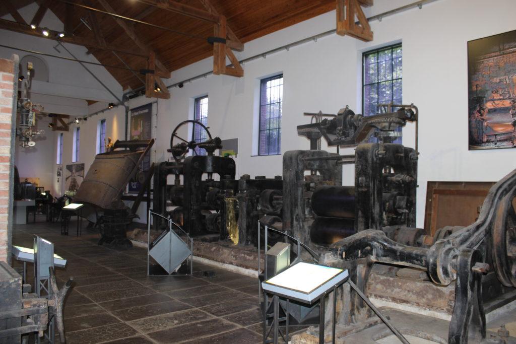 Welche Maschinen die industrielle Revolution in den Bergbaustätten einführte, kann man in den Hallen von Bois du Cazier begutachten
